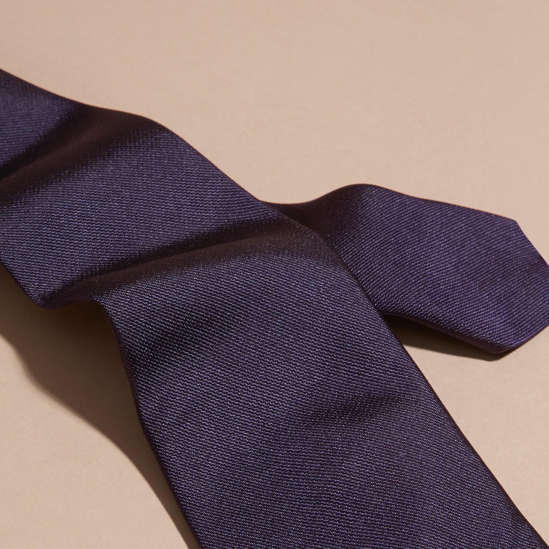 海軍藍 現代剪裁絲質斜紋領帶 海軍藍 - 圖庫照片 2
