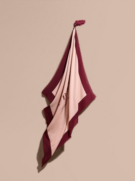 Легкий шарф с принтом Burberry Пепельная Роза / Гранат
