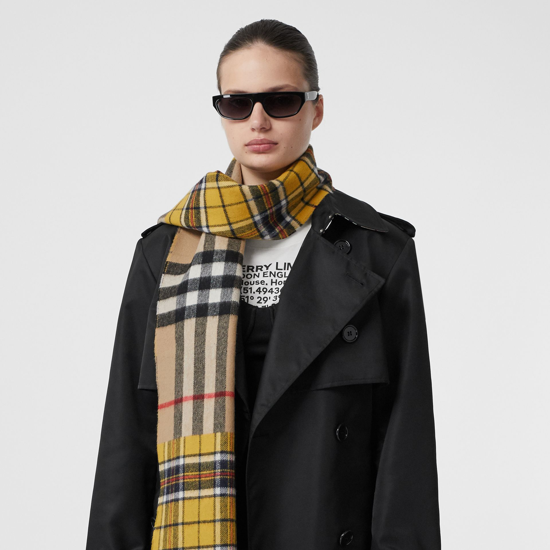 Contrast Check Cashmere Merino Wool Jacquard Scarf in Canary Yellow | Burberry - gallery image 2