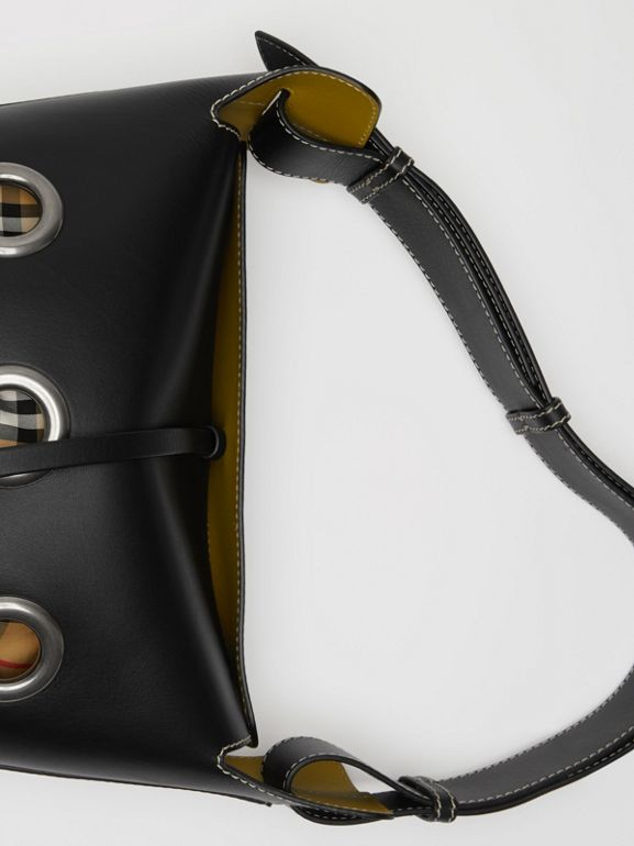 The Medium Bucket Bag aus Leder mit Ösendetails (Schwarz) - Damen | Burberry - cell image 1