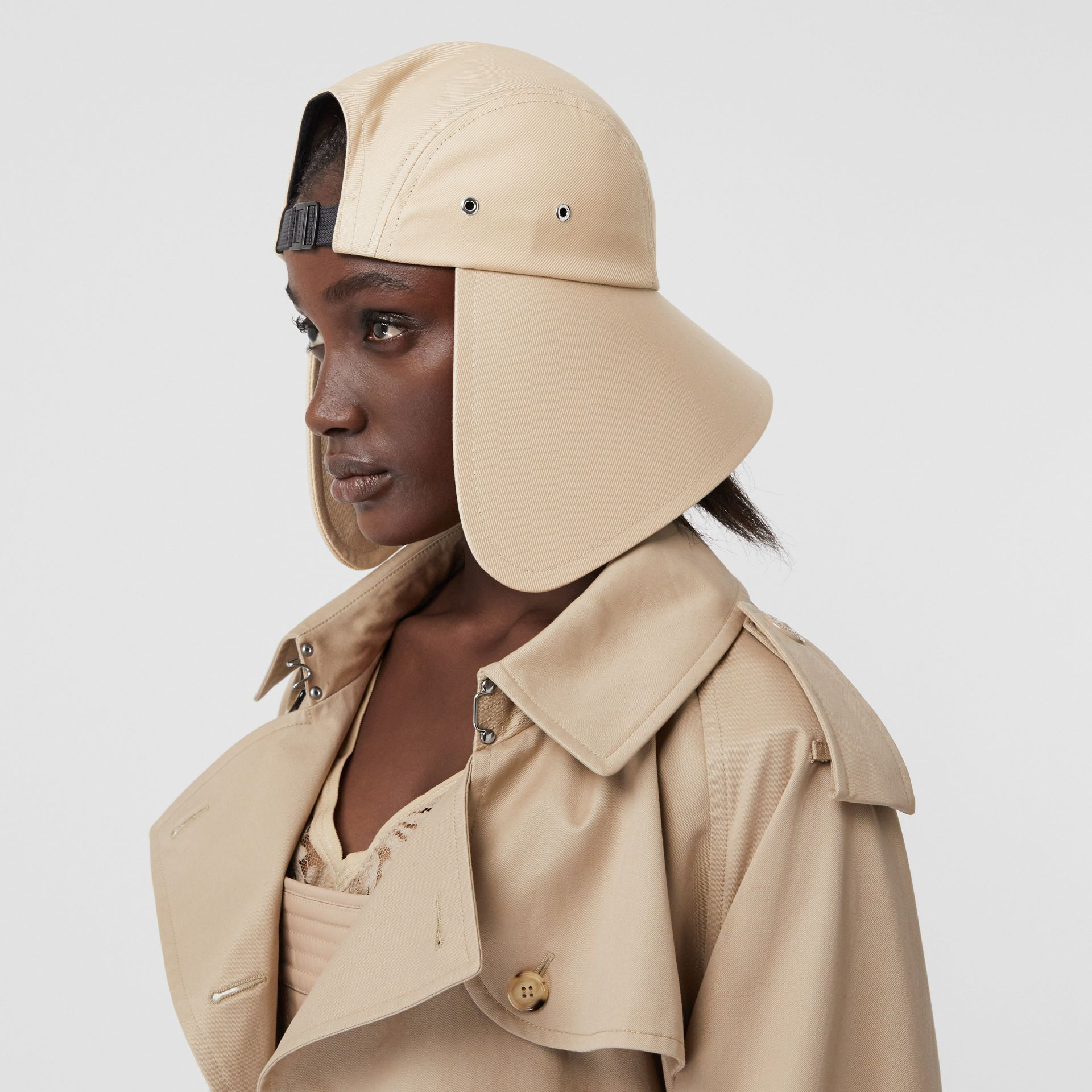 Logo Appliqué Cotton Twill Bonnet Cap in Soft Fawn | Burberry - gallery image 5