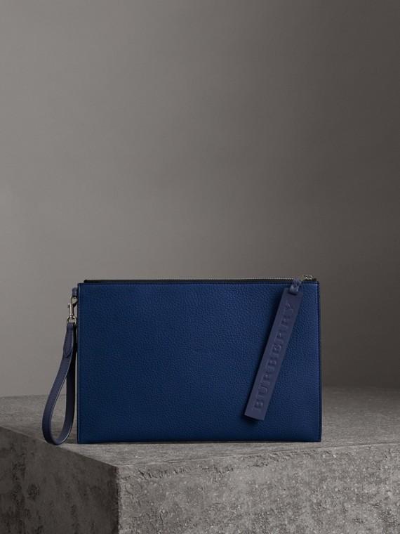 Bolsa pouch de couro granulado com zíper (Azul Ultramarino Intenso)