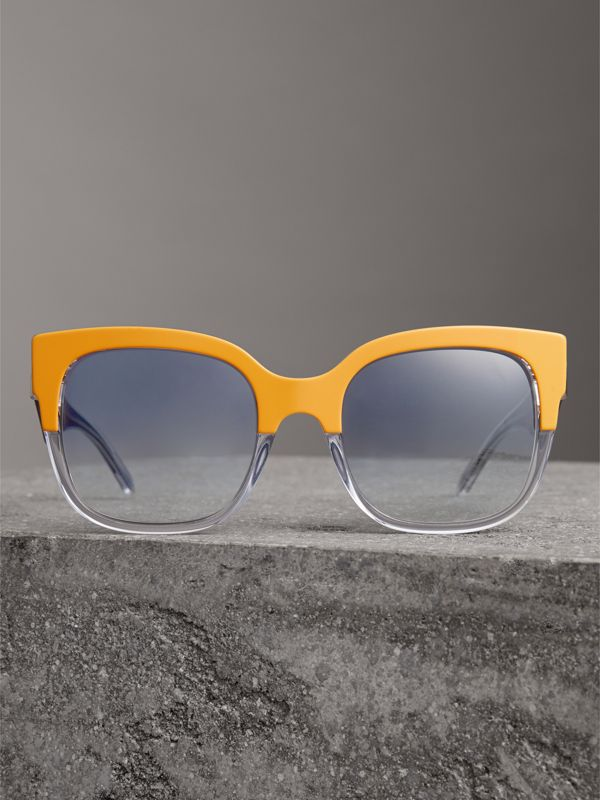 Two-tone Oversize Square Frame Sunglasses in Ochre Yellow - Women | Burberry Hong Kong - cell image 3