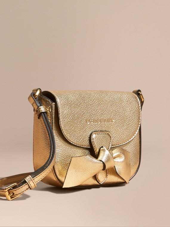 Crossbody-Tasche aus Metallic-Leder