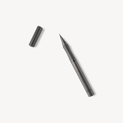 Burberry - Effortless Liquid Eyeliner – Jet Black No.01 - 1