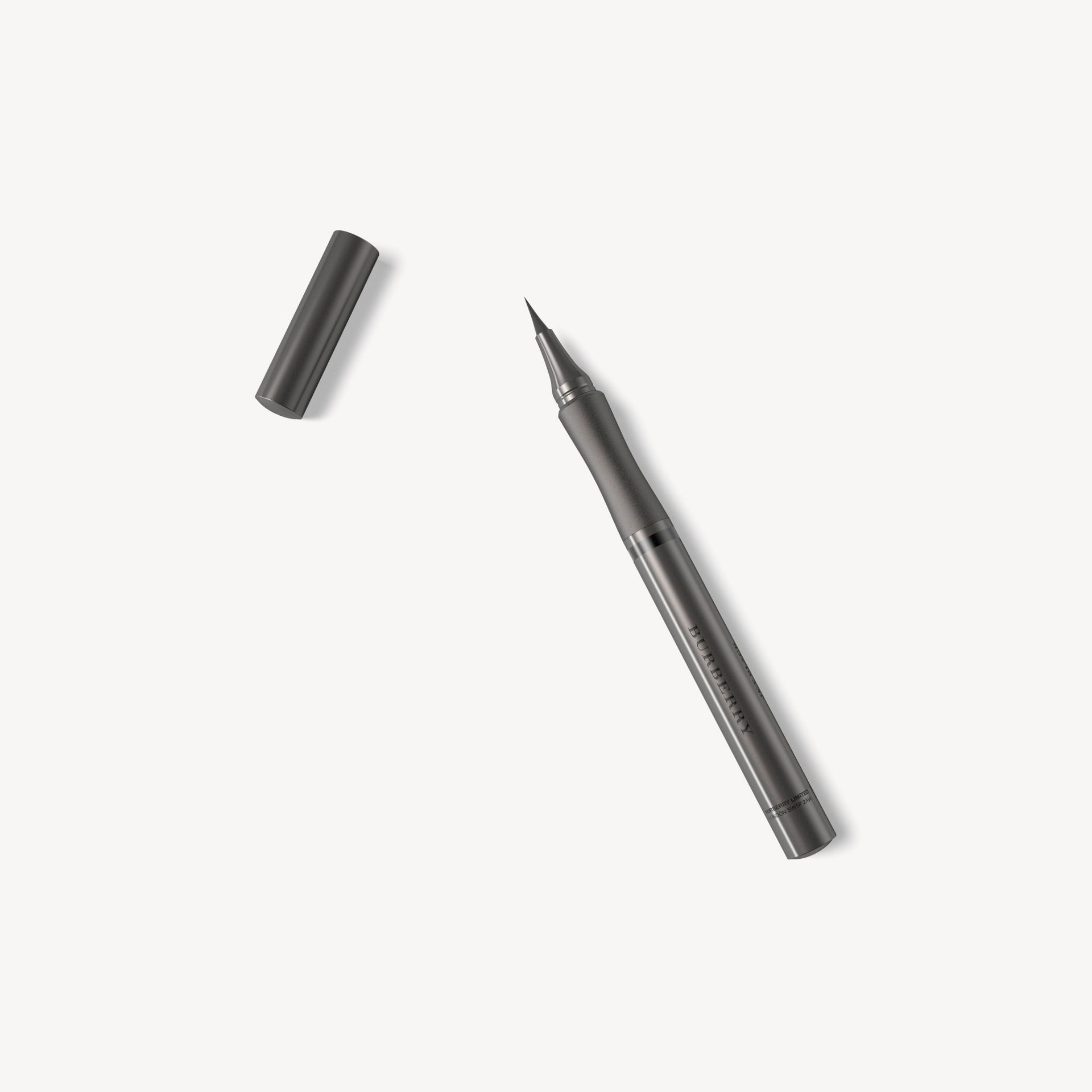 Jet black 01 Effortless Liquid Eyeliner – Jet Black No.01 - Galerie-Bild 1