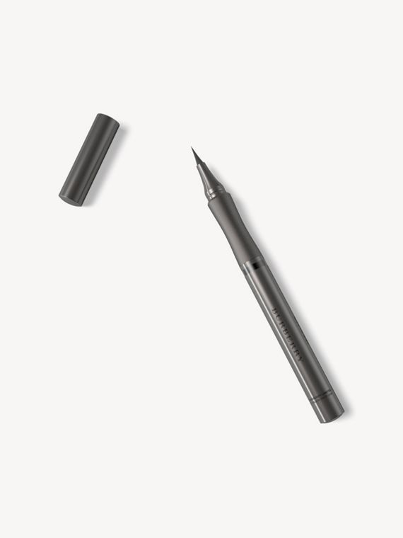 Жидкая подводка Effortless Liquid Eyeliner, Jet Black № 01