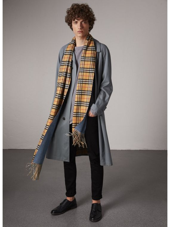 Long Reversible Vintage Check Double-faced Cashmere Scarf in Stone Blue | Burberry Australia - cell image 3