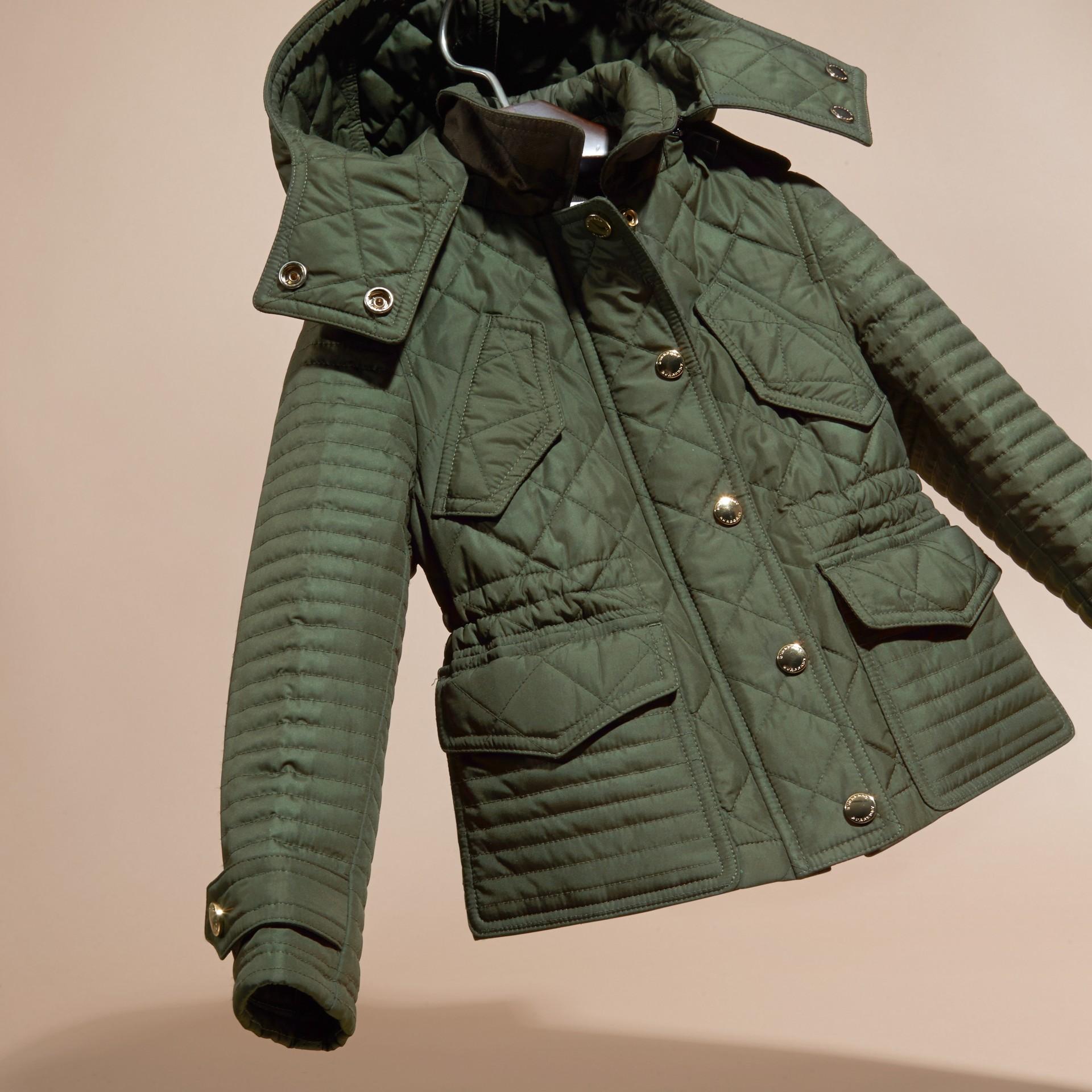 Oliva Giacca trapuntata con cappuccio amovibile - immagine della galleria 3