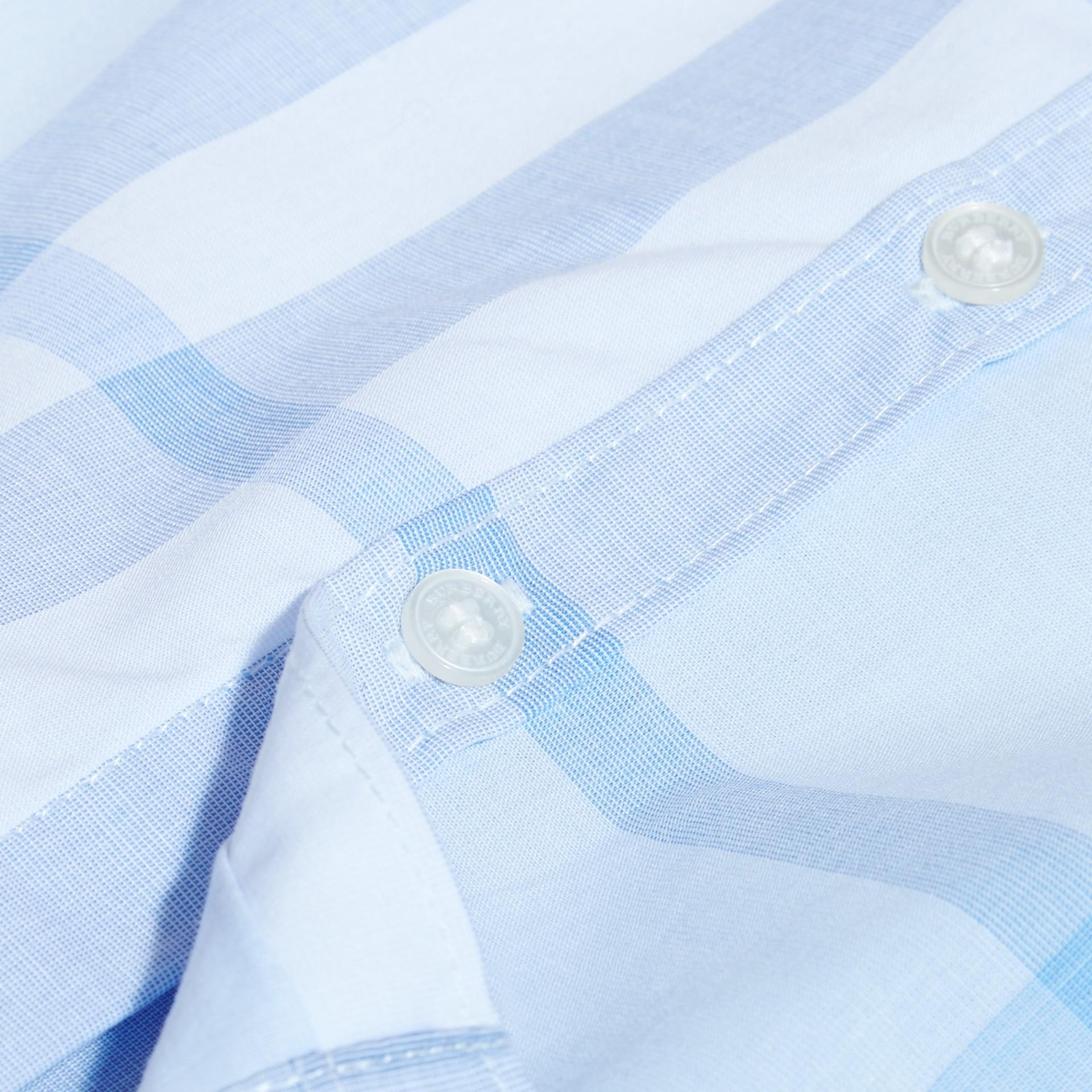Bleu glacé Chemise en coton à manches courtes avec motif check - photo de la galerie 2