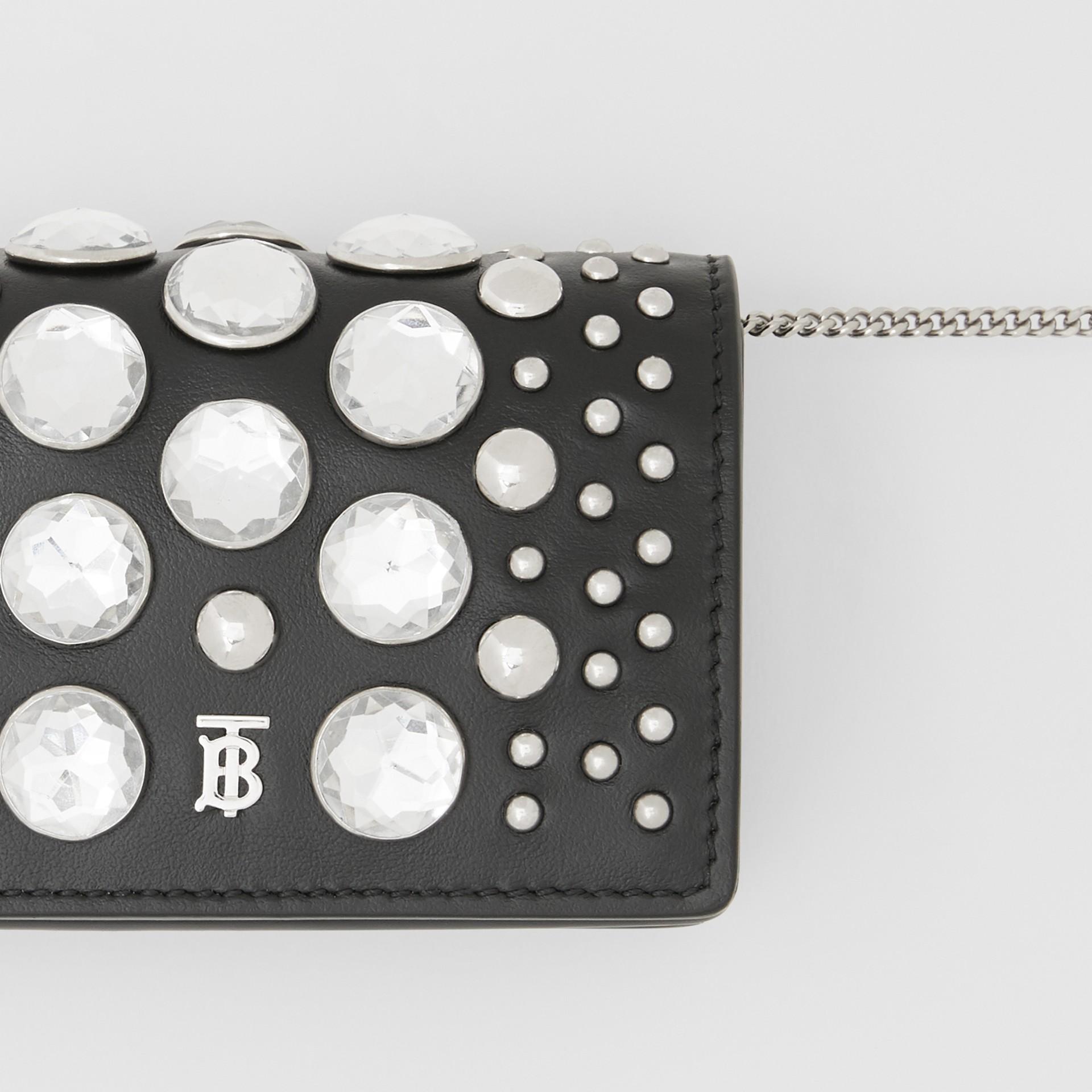 Porte-cartes en cuir avec ornements et sangle amovible (Noir)   Burberry Canada - photo de la galerie 1