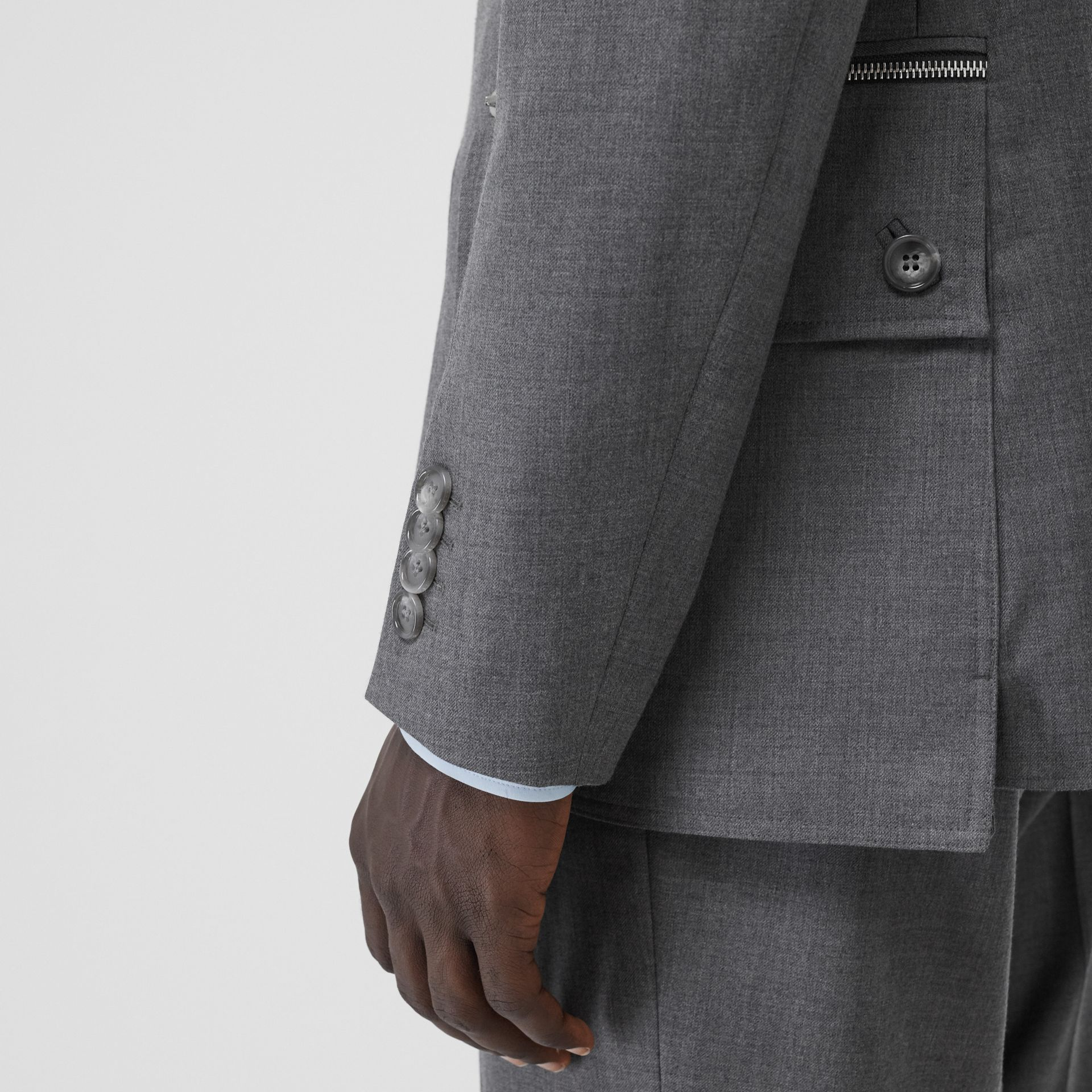 English Fit Cargo Belt Detail Wool Tailored Jacket in Charcoal Grey | Burberry Australia - gallery image 4