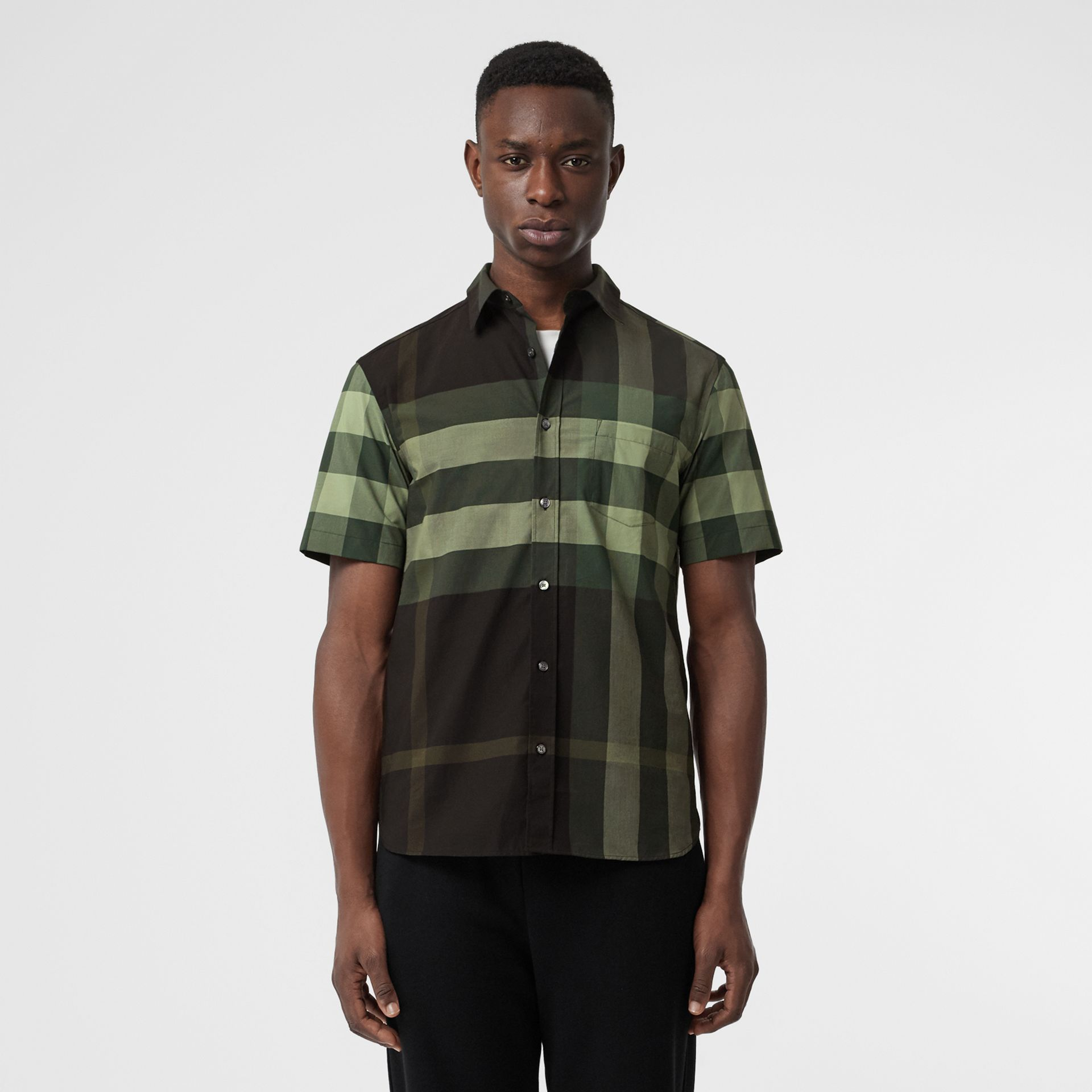 Short-sleeve Check Stretch Cotton Shirt in Dark Forest Green - Men | Burberry - gallery image 4