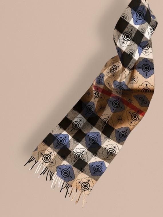Écharpe réversible en cachemire à motif check et imprimé mosaïque géométrique