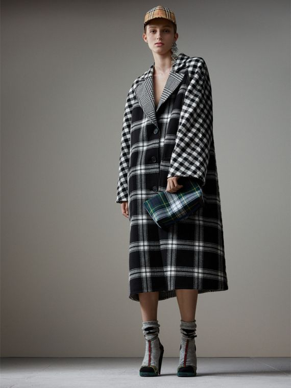 Reversible Multi-check Wool Cashmere Coat in Black/white