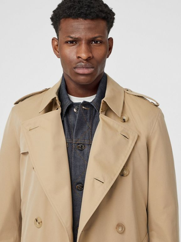 The Long Chelsea Heritage Trench Coat in Honey - Men | Burberry United Kingdom - cell image 1