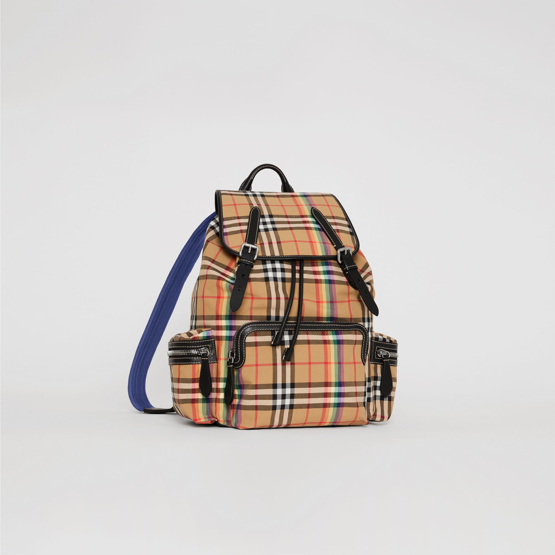 Grand sac The Rucksack à motif Rainbow Vintage check (Jaune Antique) | Burberry Canada - photo de la galerie 8