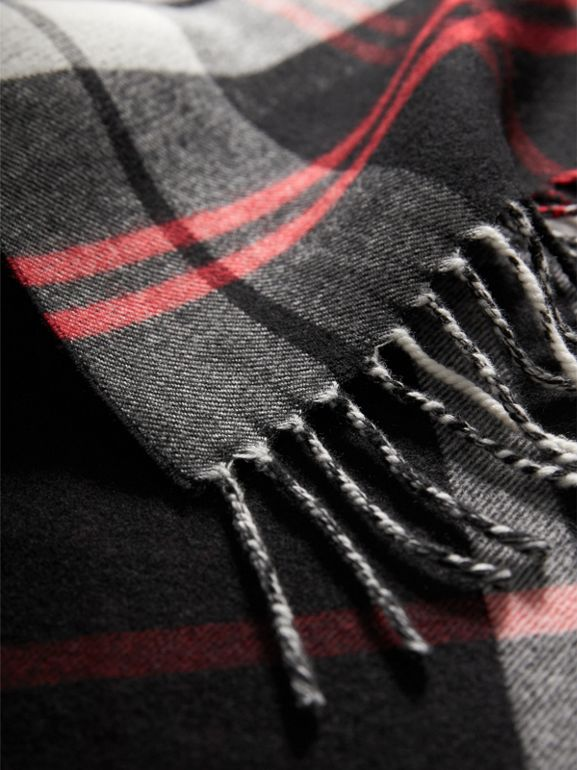 Check Merino Wool Scarf in Black | Burberry United Kingdom - cell image 1