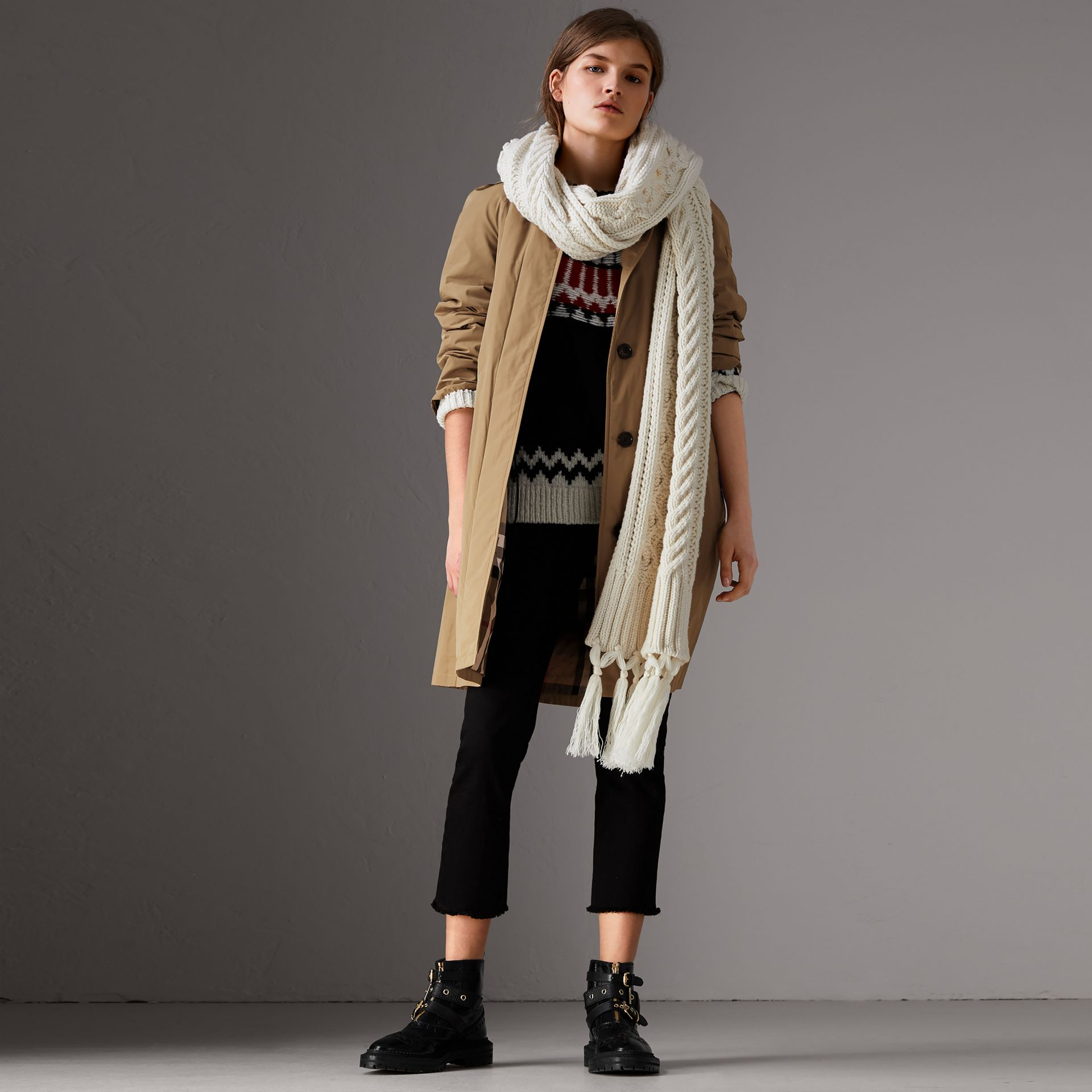 Detachable Hood Showerproof Car Coat in Sisal - Women | Burberry Singapore - gallery image 5
