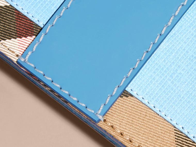 Blu minerale intenso Borsa The Buckle mini con pelle e motivo House check - cell image 4