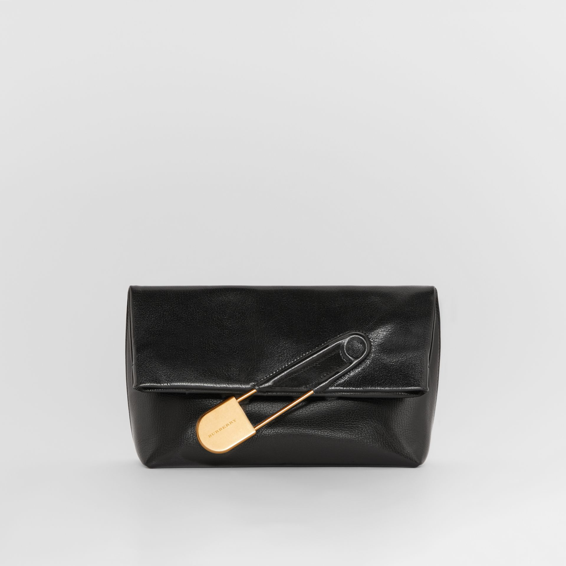 The Medium Pin Clutch aus Lackleder (Schwarz) - Damen | Burberry - Galerie-Bild 0