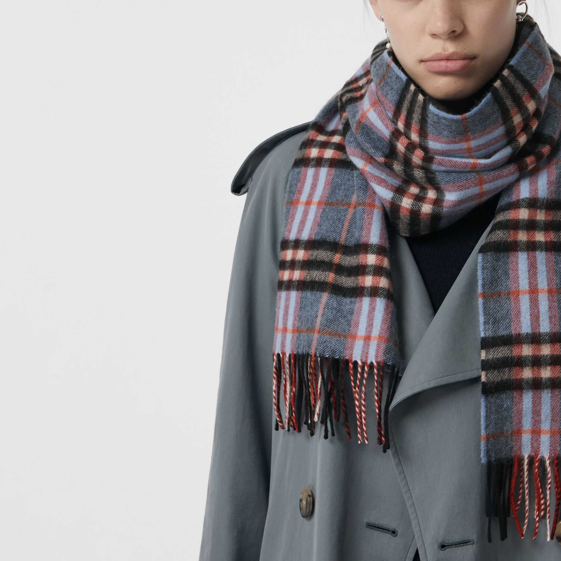 Check Cashmere Scarf in Pale Carbon Blue | Burberry United Kingdom - gallery image 4