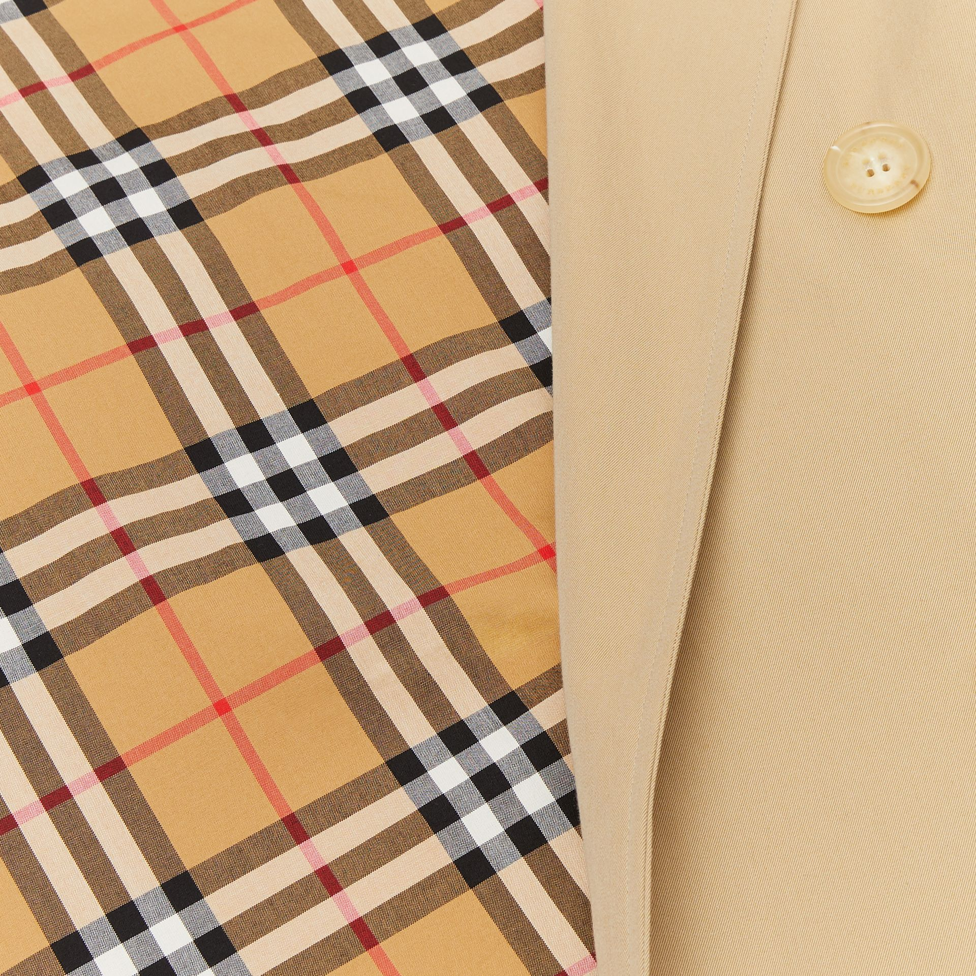 The Mid-length Kensington Heritage Trench Coat in Honey - Men | Burberry Singapore - gallery image 9