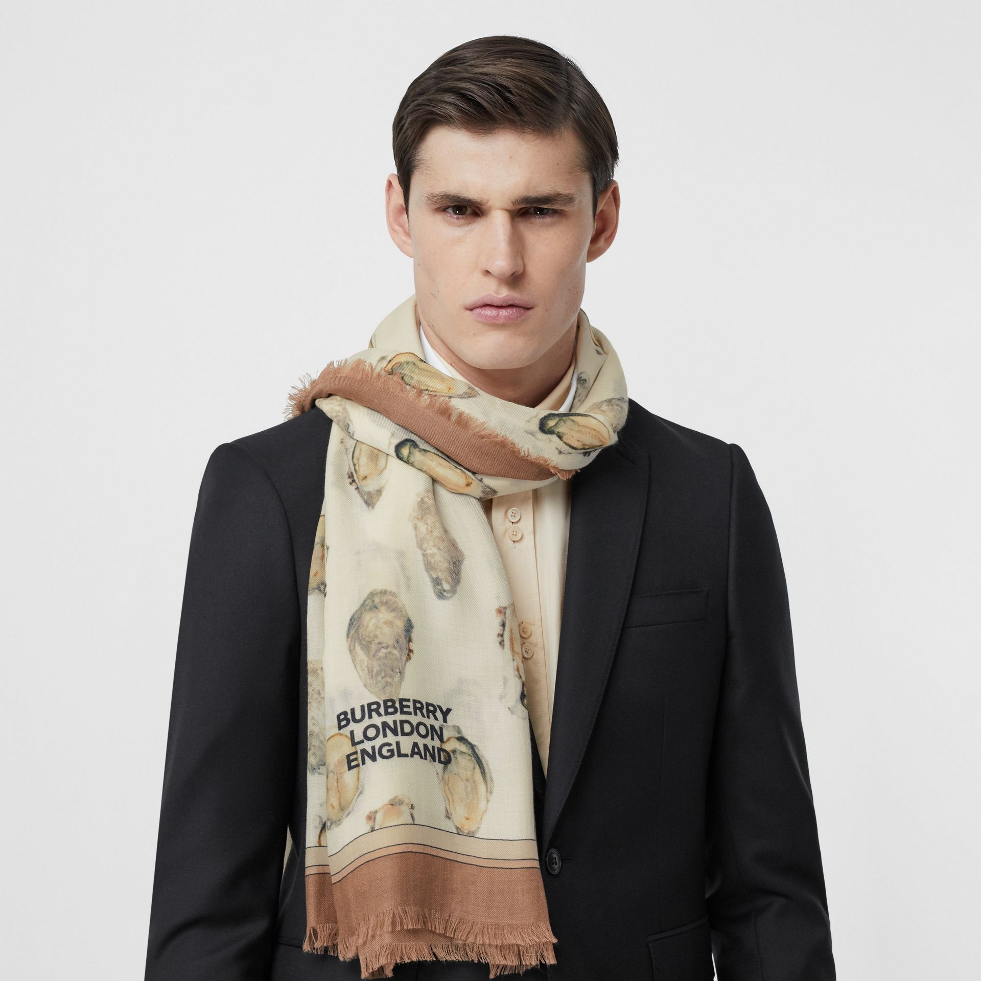 Oyster Print Lightweight Cashmere Scarf in White | Burberry United Kingdom - gallery image 3