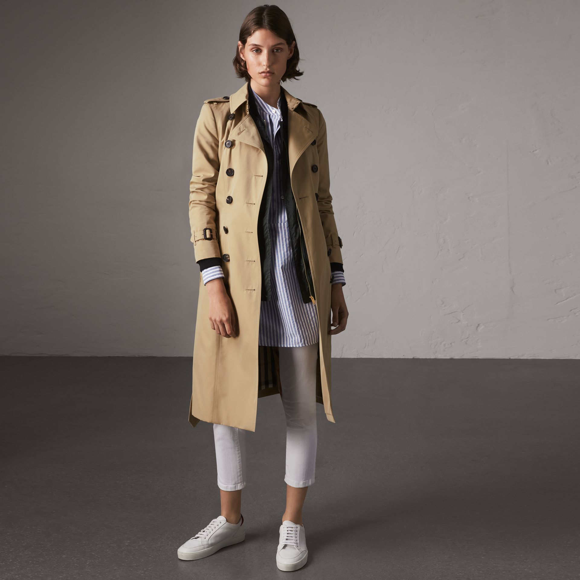 The Chelsea – Extra-long Trench Coat in Honey - Women | Burberry Hong Kong - gallery image 0