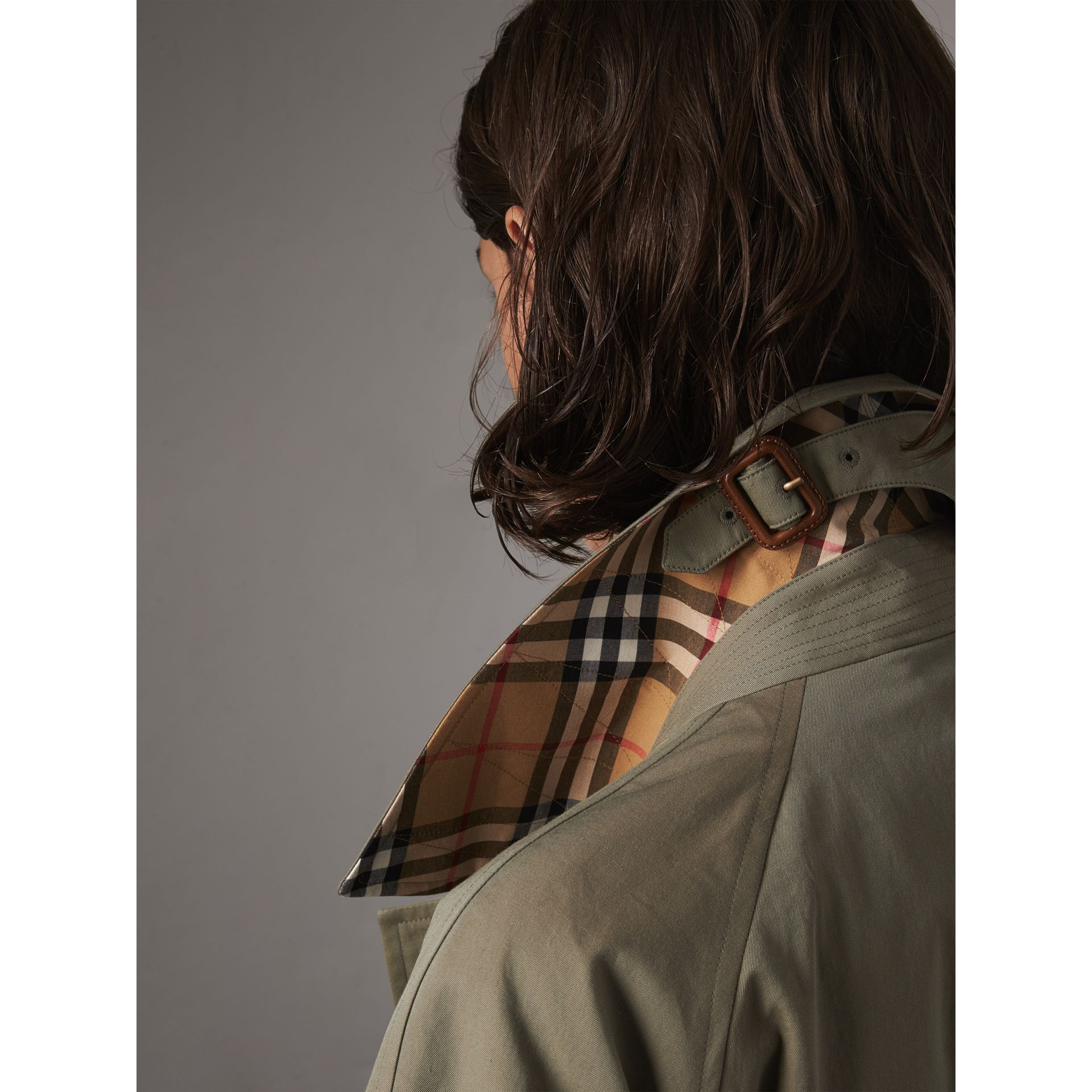 The Brighton Car Coat (Verde Gesso) - Donna | Burberry - immagine della galleria 1