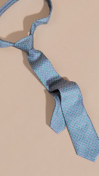 Slim Cut Geometric Print Silk Tie