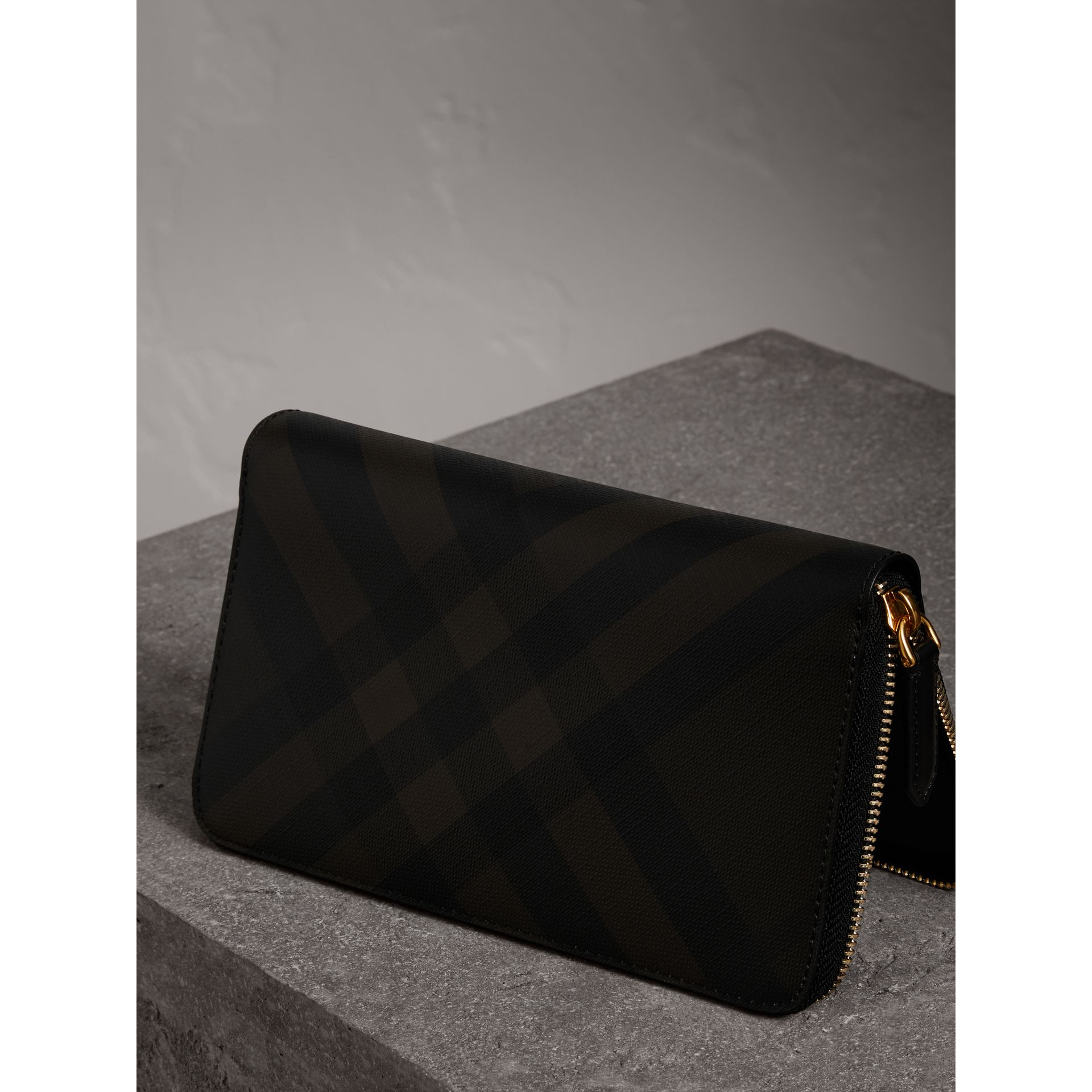 London Check Ziparound Wallet in Chocolate/black - Men | Burberry Australia - gallery image 2