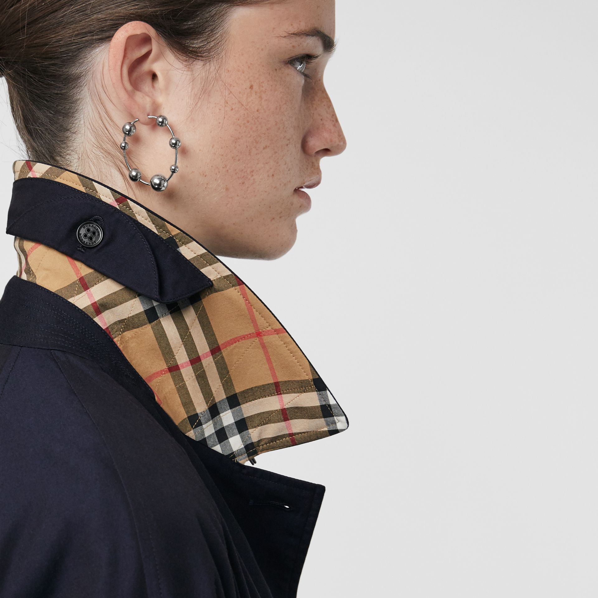 The Brighton Car Coat (Blu Carbonio) - Donna | Burberry - immagine della galleria 5