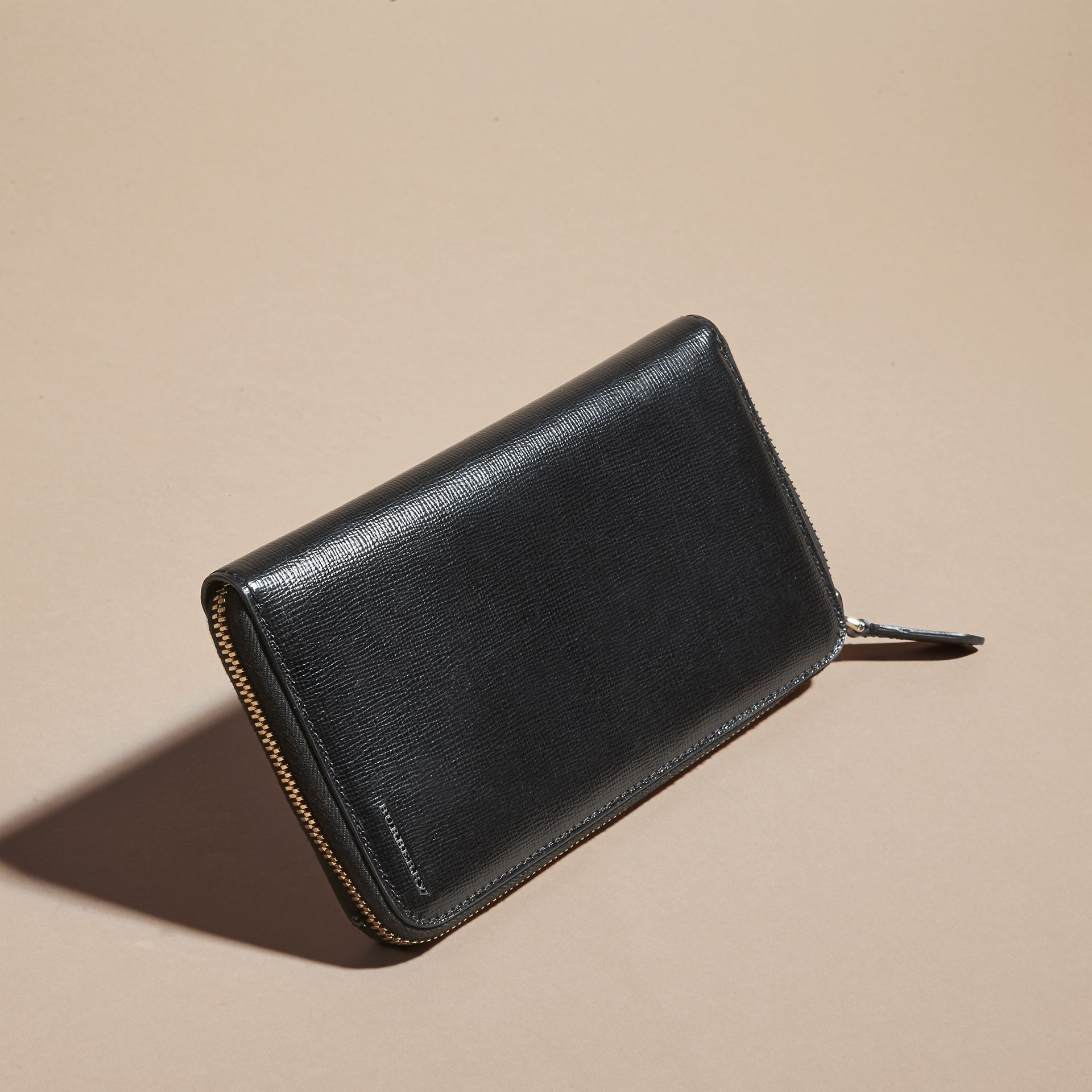London Leather Ziparound Wallet in Black | Burberry Singapore - gallery image 6
