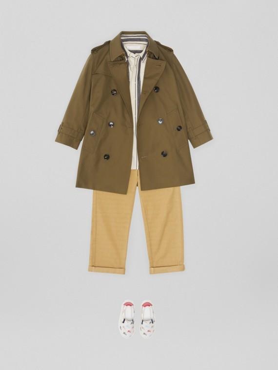 Trench coat en algodón de gabardina (Oliva Militar)