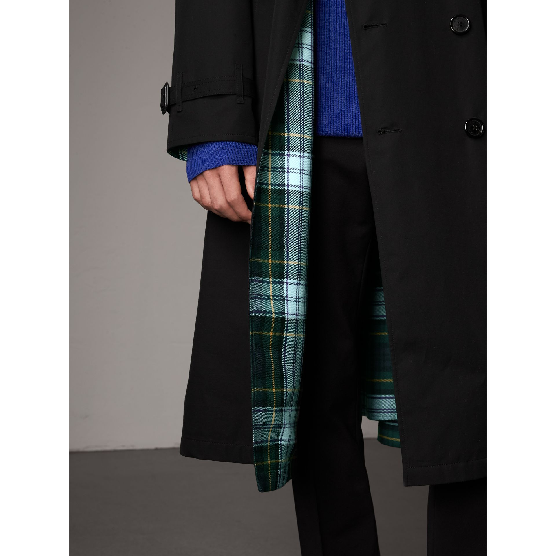 Tartan-lined Cotton Gabardine Trench Coat in Black - Men | Burberry United Kingdom - gallery image 1