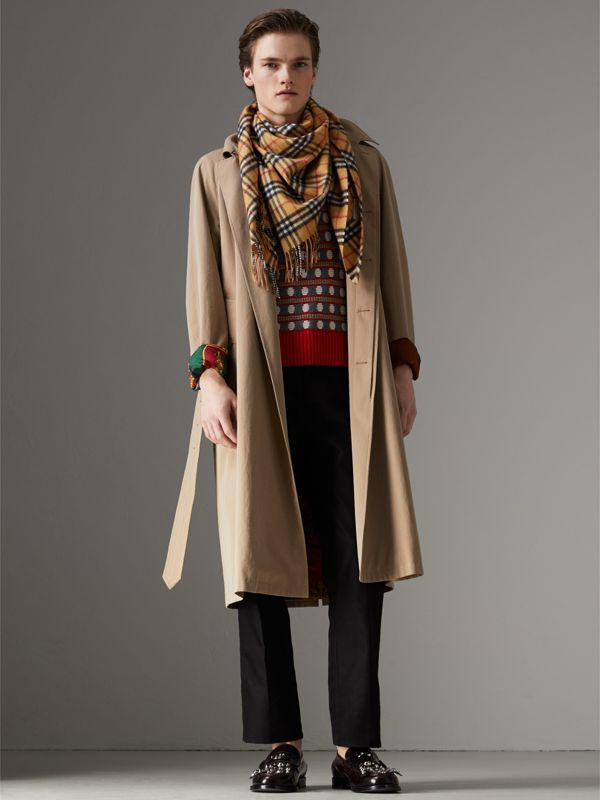 The Burberry Bandana in Vintage Check Cashmere in Antique Yellow | Burberry Australia - cell image 3