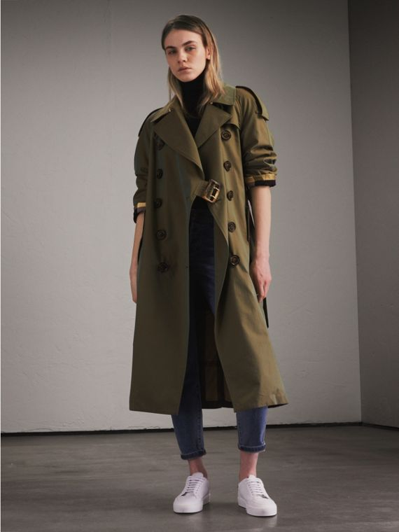 Tropical Gabardine Trench Coat in Bright Olive