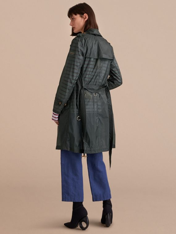 Super-lightweight Trench Coat in Vintage Green - Women | Burberry - cell image 2