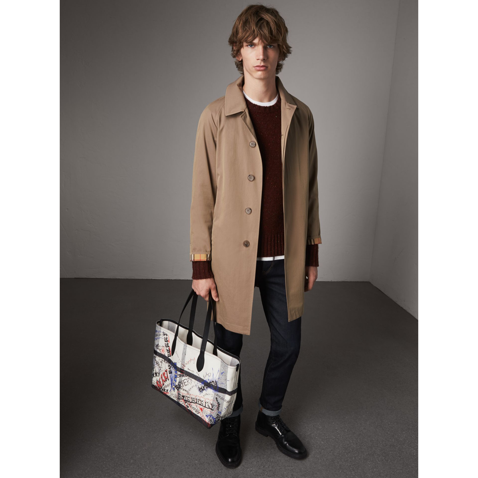 The Medium Doodle Tote in wendbarem Design (Weiss/schwarz) | Burberry - Galerie-Bild 3