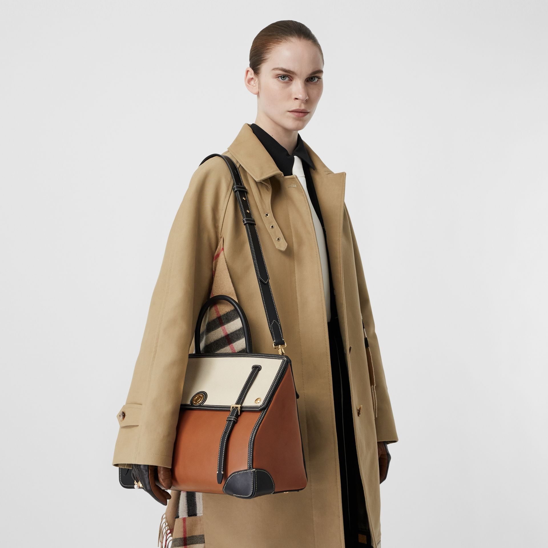Medium Leather and Cotton Canvas Elizabeth Bag in Tan - Women | Burberry Singapore - gallery image 2