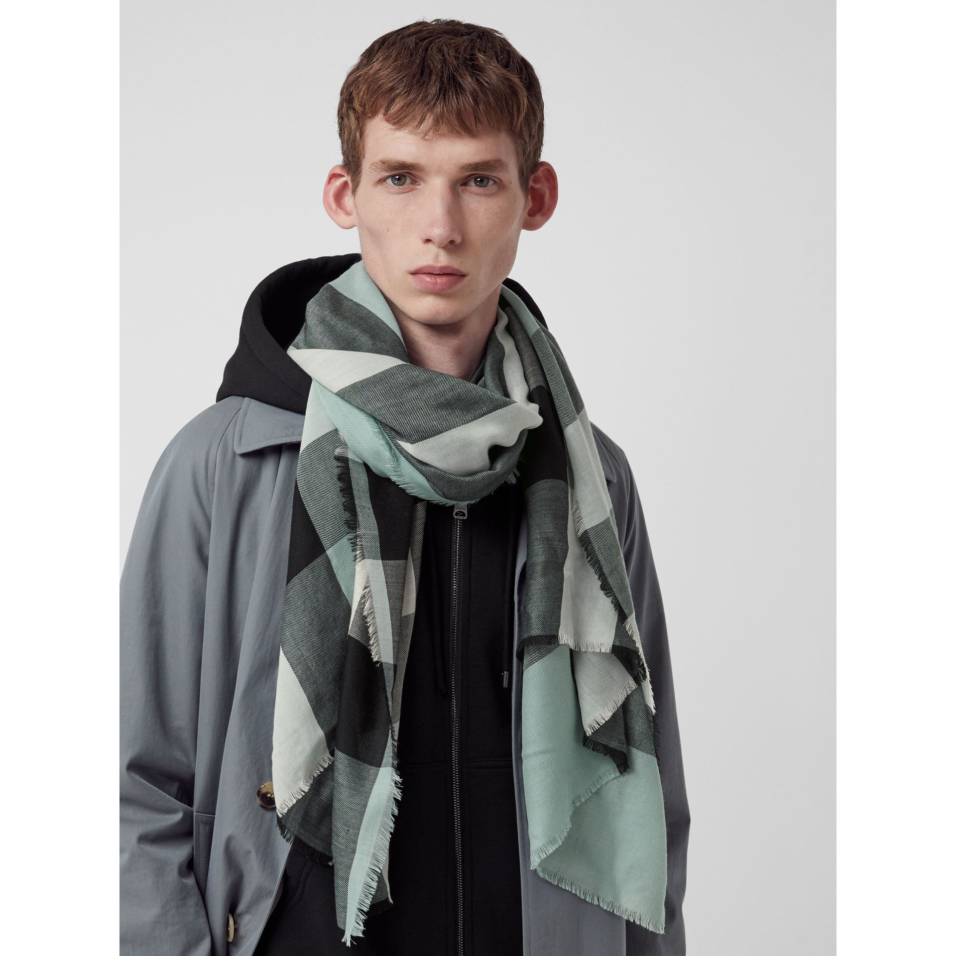 Lightweight Check Cashmere Scarf in Dusty Mint | Burberry United Kingdom - gallery image 6