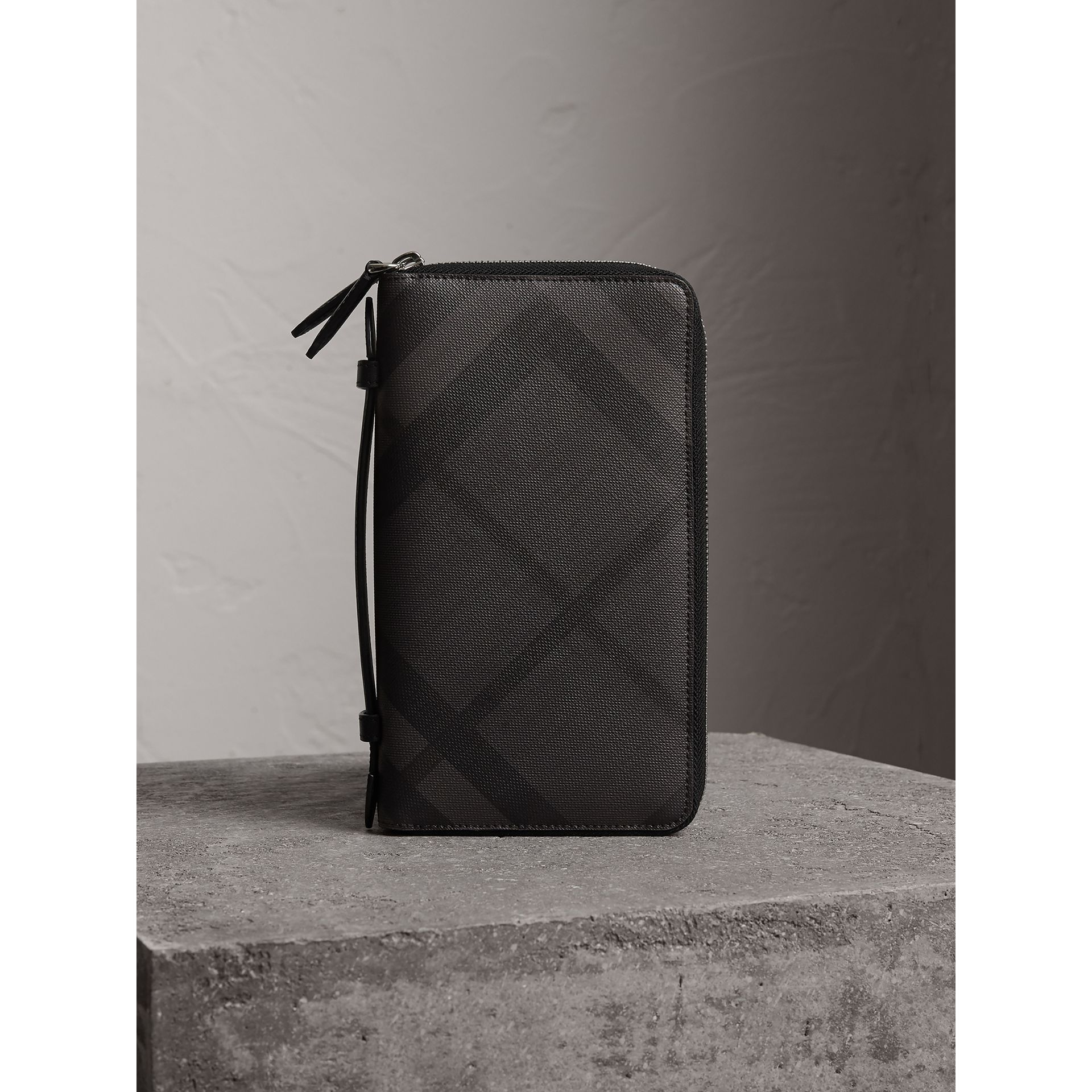 London Check Travel Wallet in Charcoal/black - Men | Burberry - gallery image 6