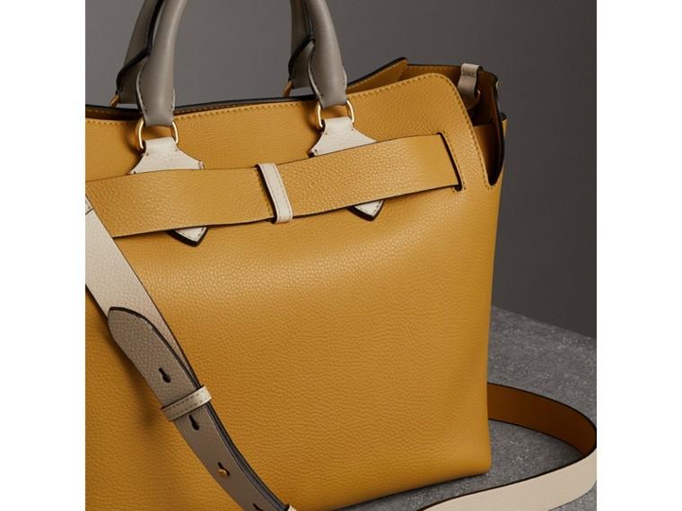 Sac TheBelt moyen en cuir tricolore (Calcaire/jaune Bleuet) - Femme   Burberry Canada - cell image 4