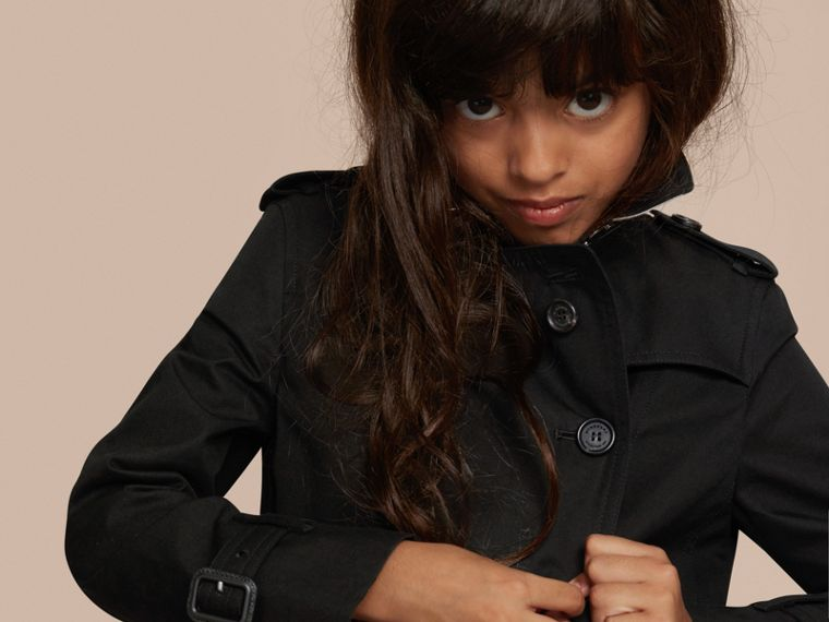 The Sandringham – Heritage Trench Coat in Black - Girl | Burberry - cell image 1