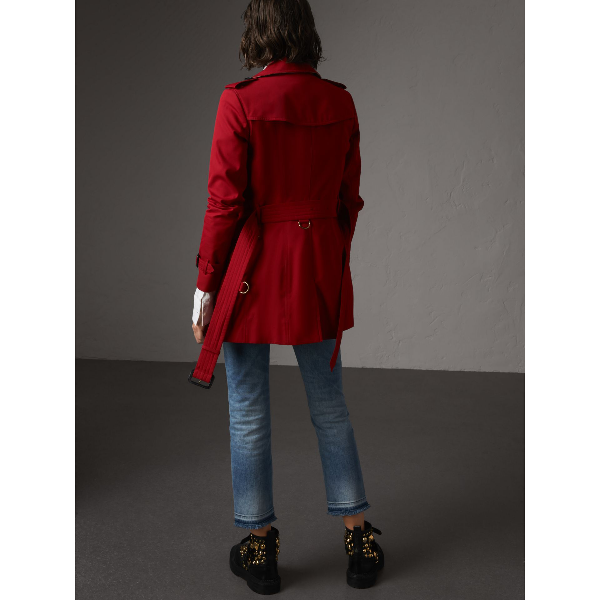 The Chelsea – Short Trench Coat in Parade Red - Women | Burberry United States - gallery image 3