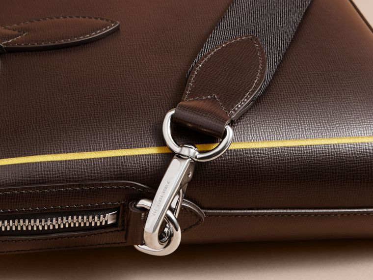 Peppercorn The Slim Barrow Bag in London Leather with Border Detail Peppercorn - cell image 4