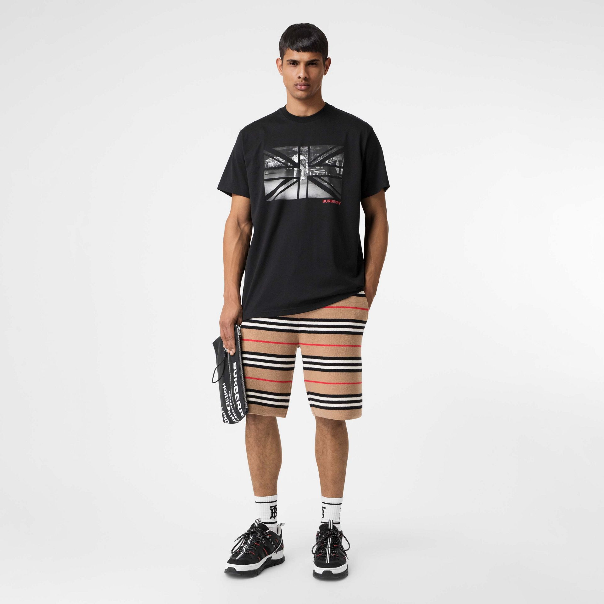 Union Jack Photo Print Cotton Oversized T-shirt in Black - Men | Burberry - gallery image 0