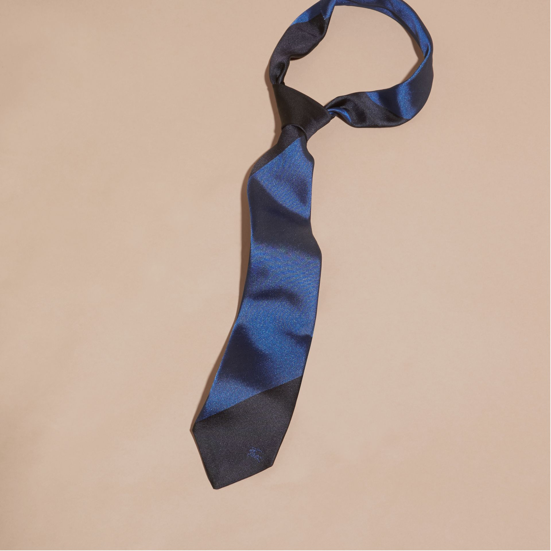 Navy Slim Cut Striped Jacquard Silk Tie Navy - gallery image 3