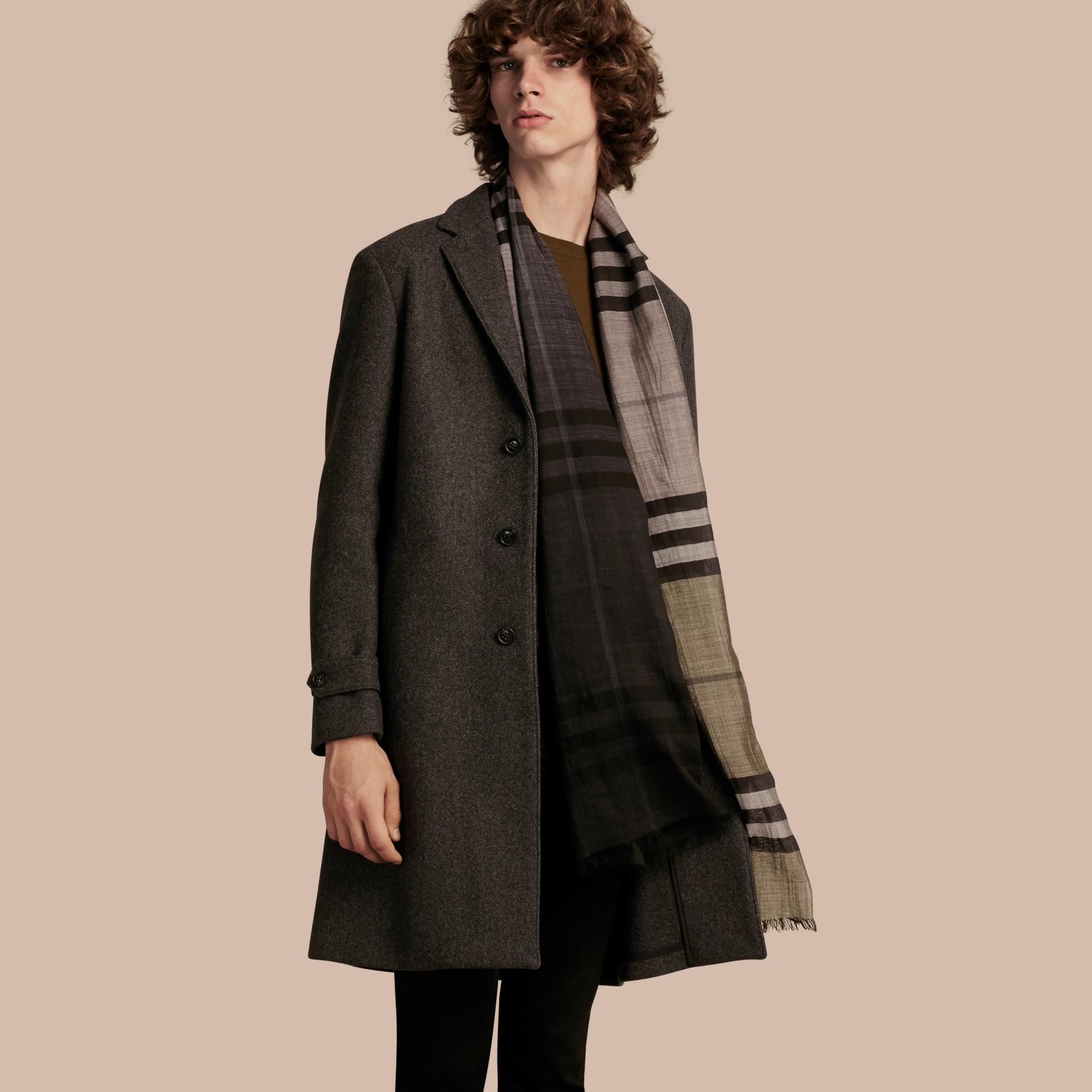 Camaïeu anthracite Manteau ajusté à boutonnage simple en laine mélangée - photo de la galerie 1